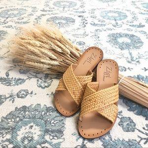 Zigi Artisan woven Summer Sandals Size 6